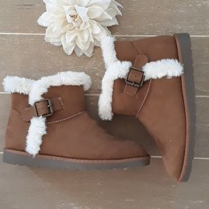 SO Brown Faux Fur Ankle Boots